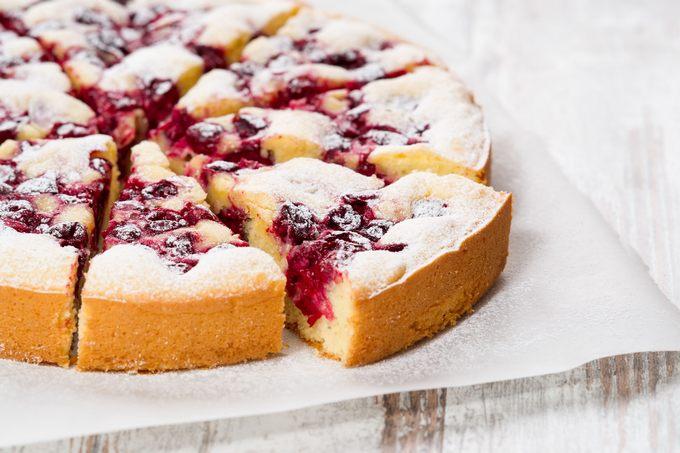 G teau moelleux chocolat blanc et cerises pause gourmande for Dessert avec des cerises fraiches