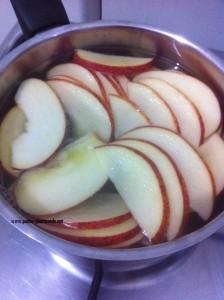 pommes dans l'eau
