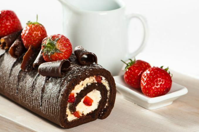 roulé au chocolat et fraise